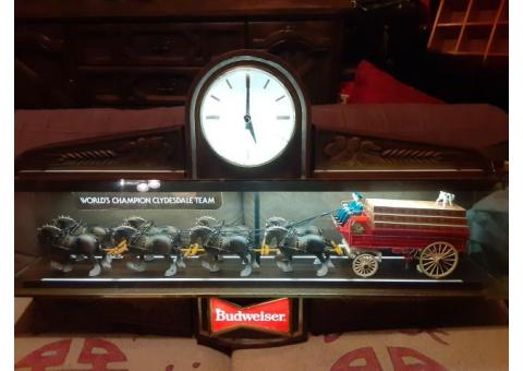 VINTAGE Budweiser clydesdale pool table light.