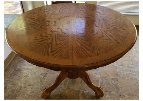 Round Kitchen table and 6 chairs Wood
